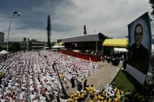 Centenares de miles de personas asistieron a la beatificacion del arzobispo Oscar Romero en El Salvador