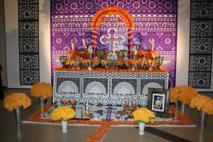 Altar del Día de los Muertos en el ROM