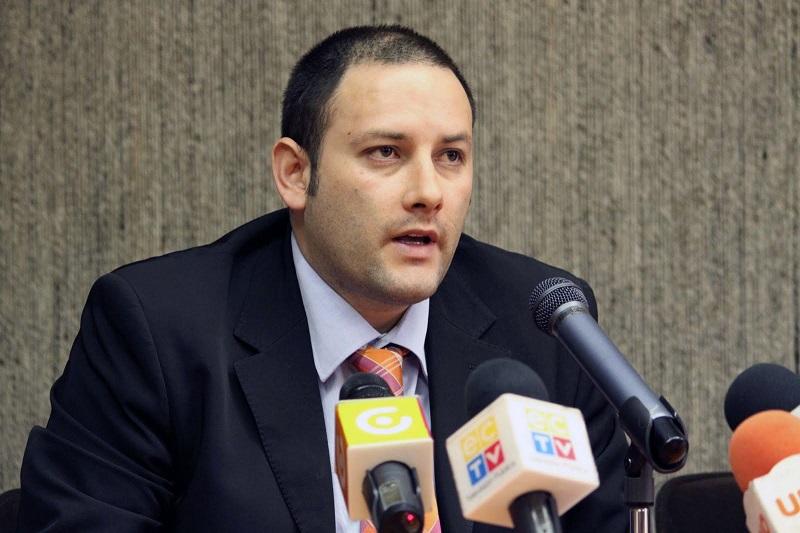 Santiago Escobar, Director del Movimiento Alianza País Canadá